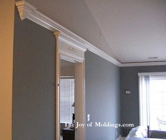 flying crown molding on vaulted ceiling