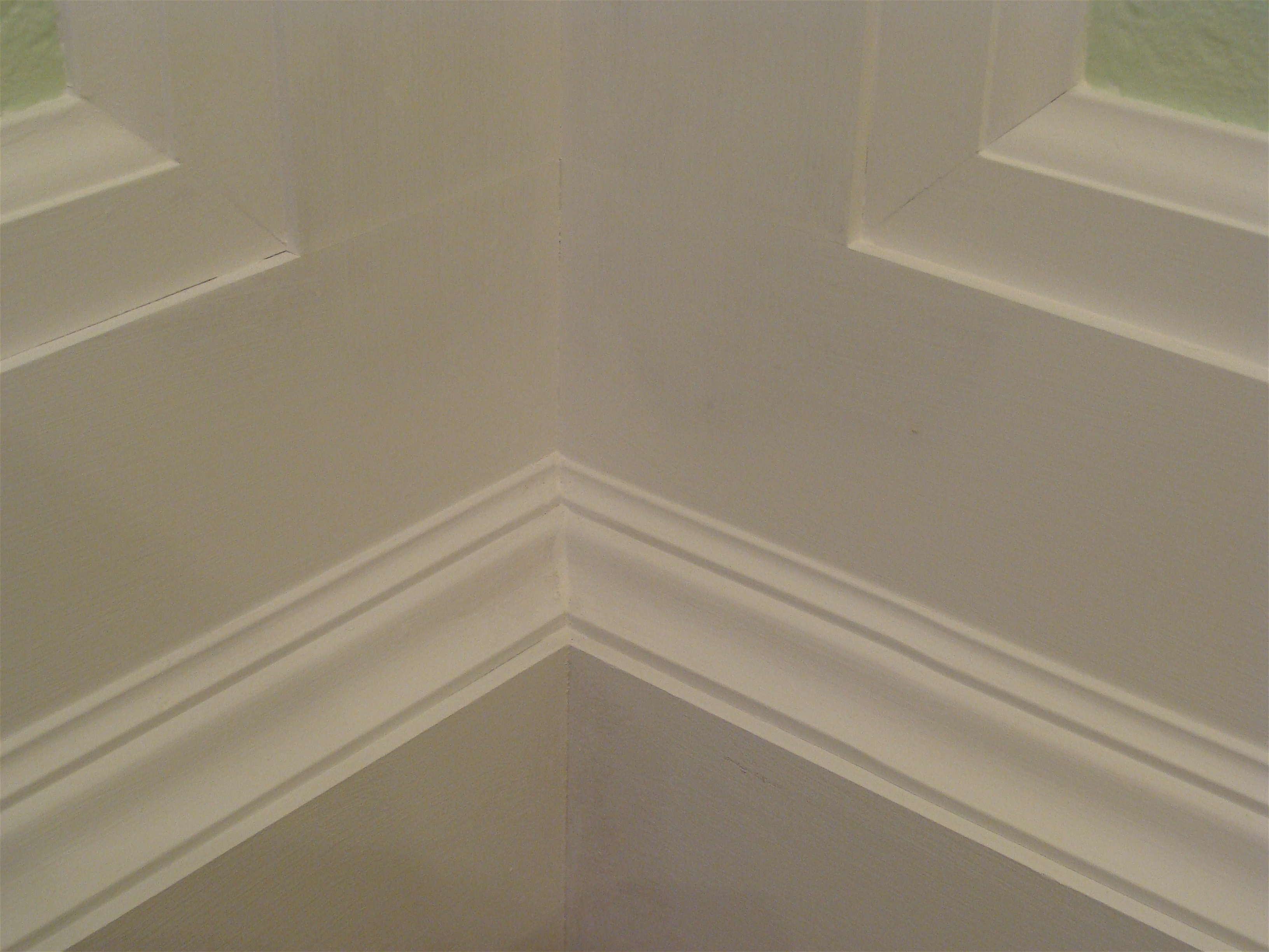how to prime moldings. 5 2 priming baseboard skirting board molding   The Joy of Moldings com